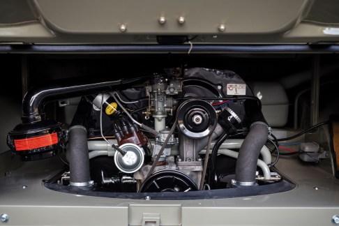 @1963 Volkswagen '23-Window' Deluxe Microbus - 17