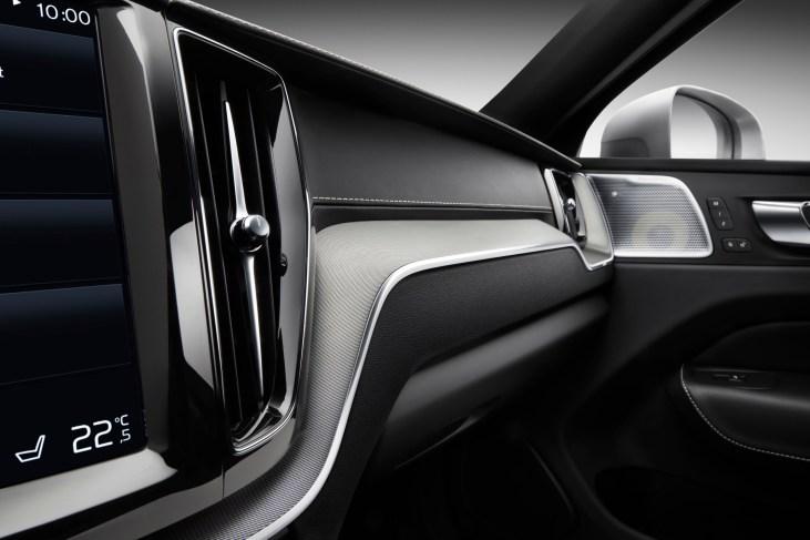 @Volvo XC60-off - 2