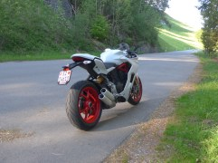 @ducati supersport - 1
