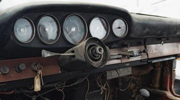 low_the_interior_of_the_901_1962_porsche_ag
