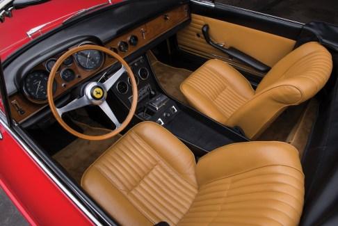 @1967 Ferrari 330 GTS by Pininfarina - 9