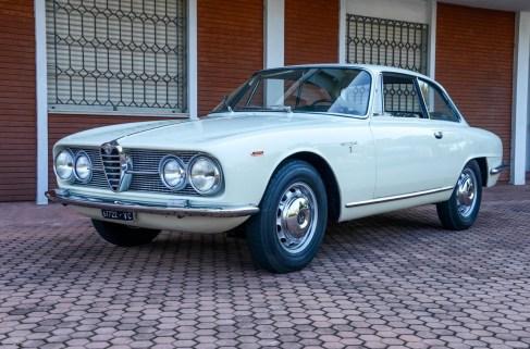 1962 Alfa Romeo 2000 Sprint Bertone 1