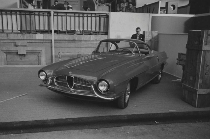 1954-Ghia-Alfa-Romeo-1900-SS-(Paris)