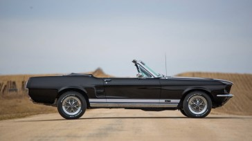 @67 Mustang Convertible 390 - 8