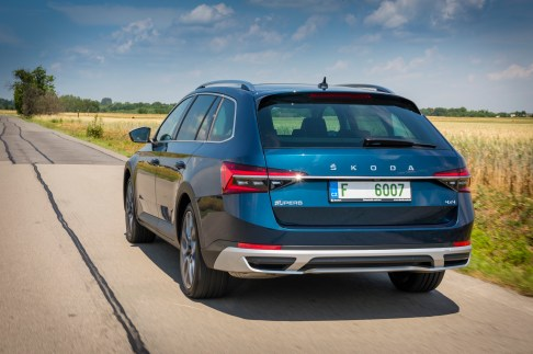 @Skoda Superb Scout - 19