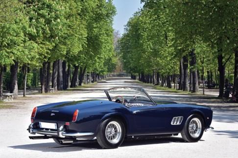 @1961 Ferrari 250 GT SWB California Spider-2505 - 1