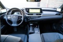 2020 Lexus ES300h-0015