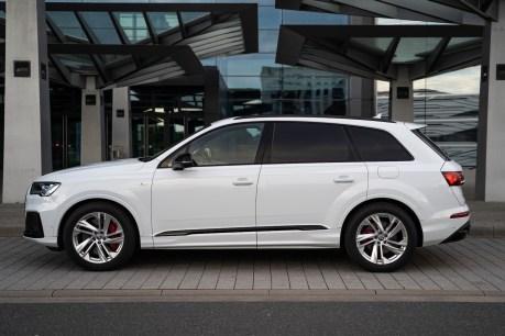 2020 Audi Q7 60 TFSIe-0002