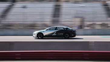lucid-air-tri-motor-race-car