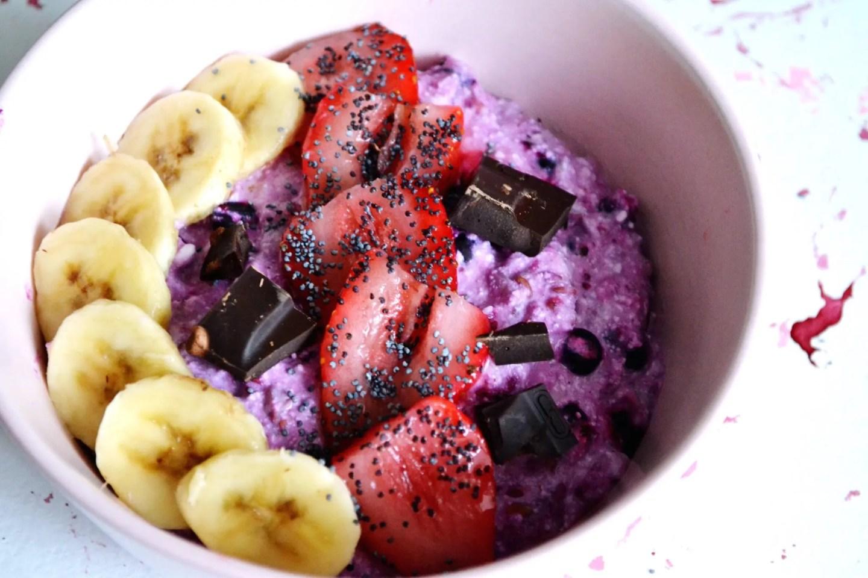 banana strawberry chocolate oatmeal
