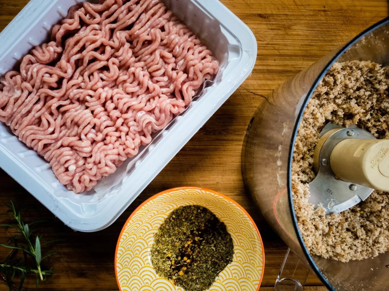 ground turkey, seasonings, food processor
