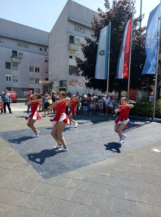 Na Trgu Stjepana Radica U Gospicu Odrzana Breakdance Plesna