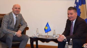 Adem Hoxha takon Pal Lekajn – Mohon të ketë biseduar për Demarkimin!