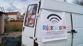 Le camion transformé en studio de radio