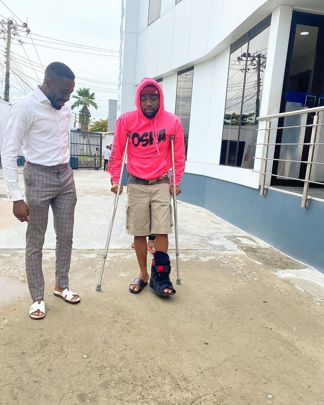Chioma abandones sick Davido, moves out