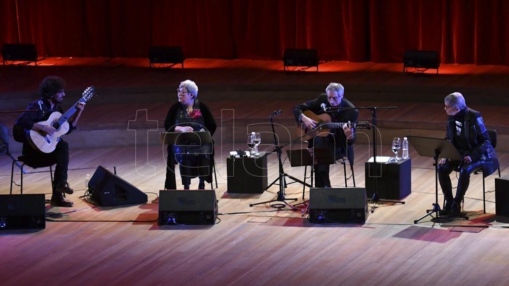 El espectáculo reúne textos de Horacio González. Foto: Alfredo Luna