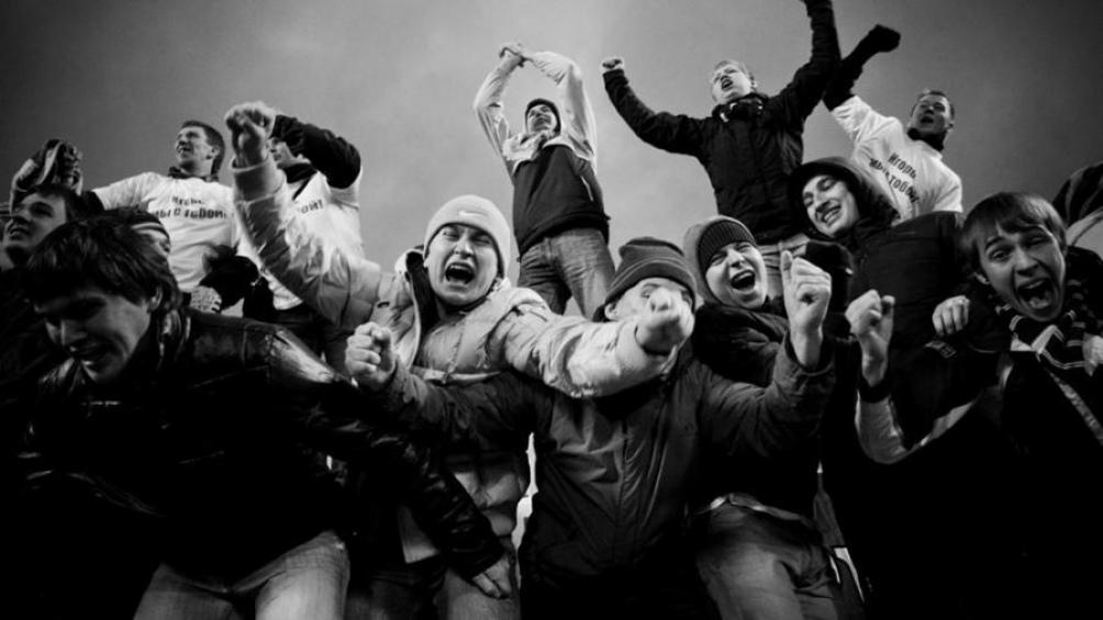Instantáneas: serie documental de 12 capítulos con emotivos testimonios de jóvenes fotógrafas y fotógrafos.