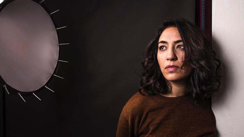 Lorena Vega, responsable de esta versión de la novela de Ariana Harwicz.