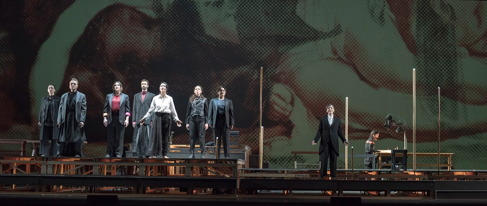 Como fondo, los videos de Oria Puppo y Matías Otalora (Foto: Teatro Colón)