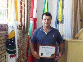 ARLINDO DE SIMAS IRÁ ASSUMIR INTERINAMENTE A PREFE...