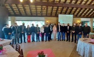 GRANFPOLIS reúne prefeitos, vices e presidentes de...