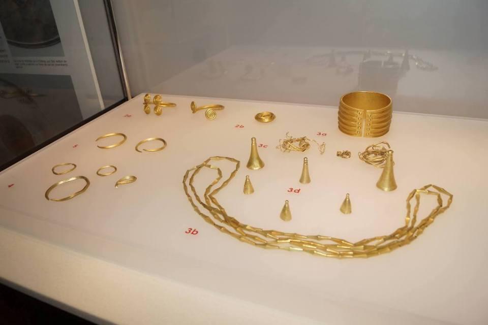 Aurul și argintul României în Sala Unirii