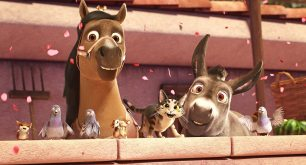 Abby (Kristin Chenoweth, left) celebrates with other animals in Sony Pictures Animations' THE STAR.