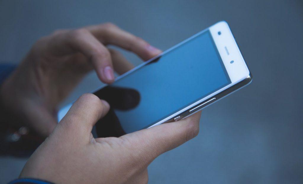 Schimbarea furnizorului de electricitate: ANRE a deschis o linie telefonică specială pentru lămuriri