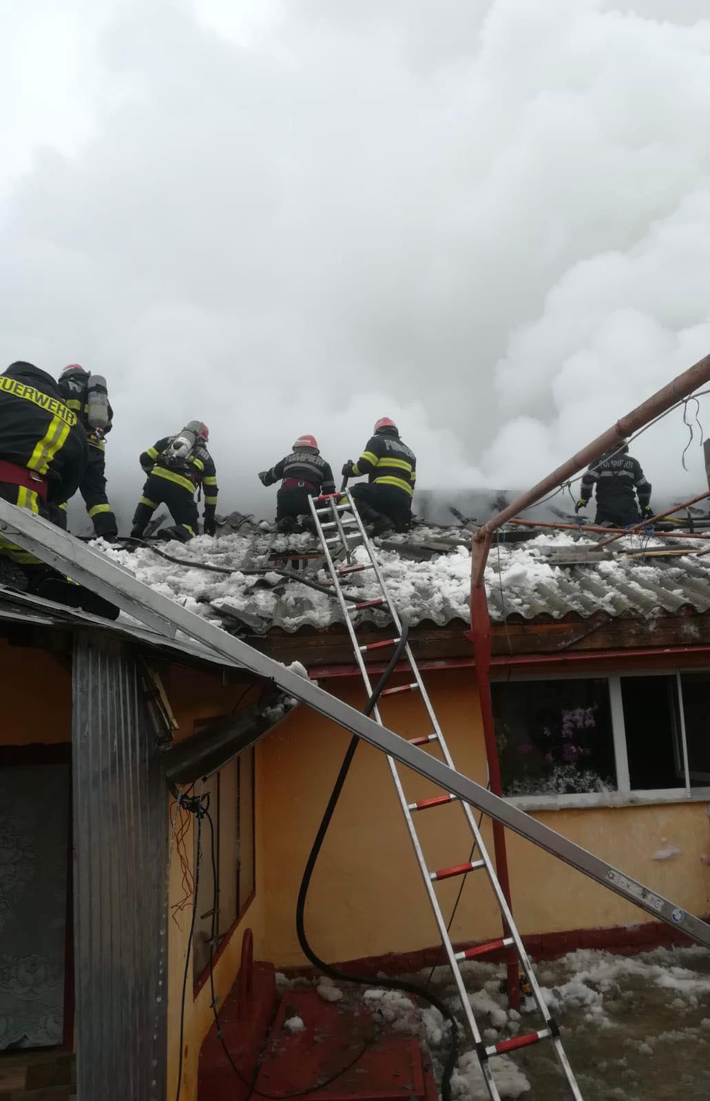 Incendiu în localitatea Trestenic