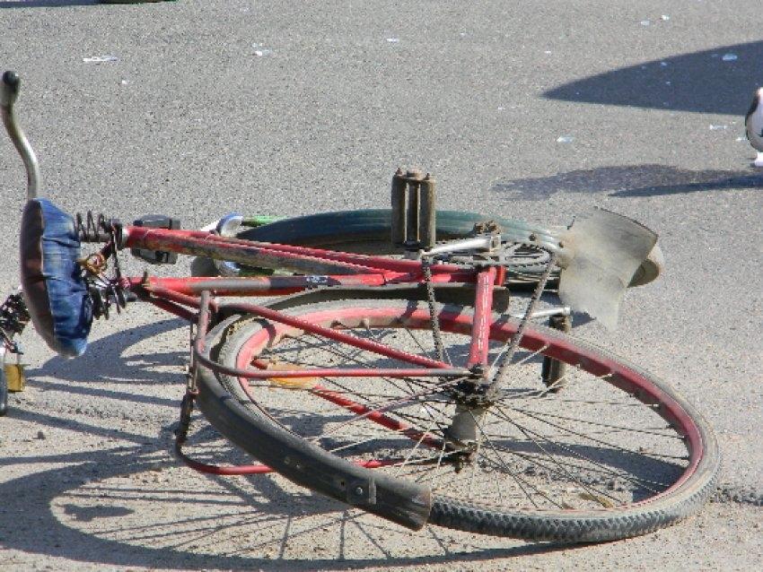 Accident între o căruța și o bicicletă, biciclistul a ajuns la spital