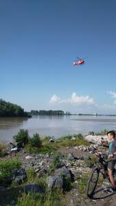 Două fetițe căzute în Dunăre sunt căutate de autorități