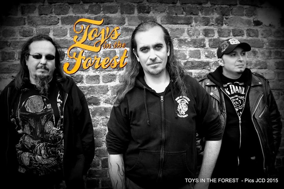 TOYS IN THE FOREST @ L'EXCUZE BAR