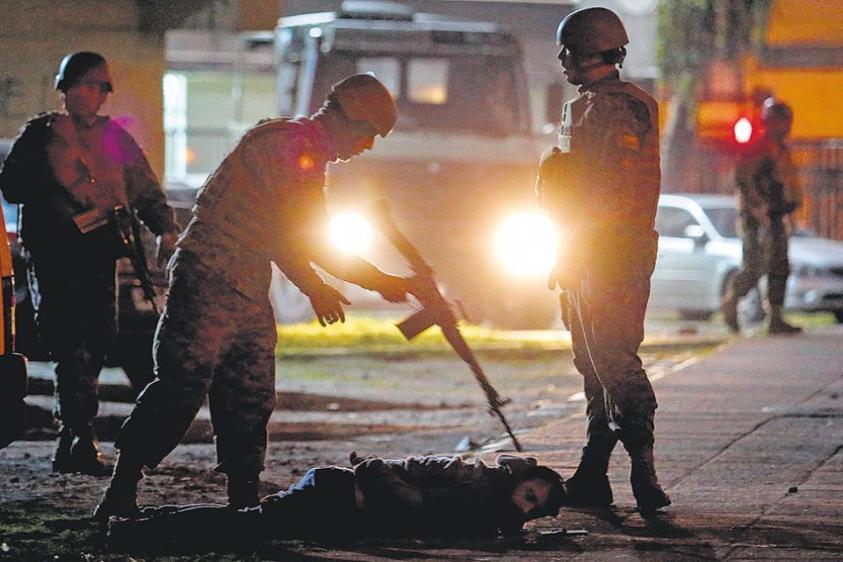 Chile ensangrentado: Al menos 15 muertos y miles se rebelan al toque de queda