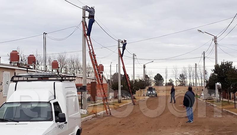 La Cospec Ltda avanza con el tendido de la red de fibra óptica en Eduardo Castex