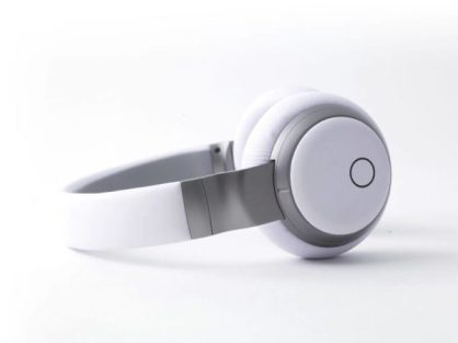 Aivvy Q Offers Music Streaming and Dynamic Headphone Experience