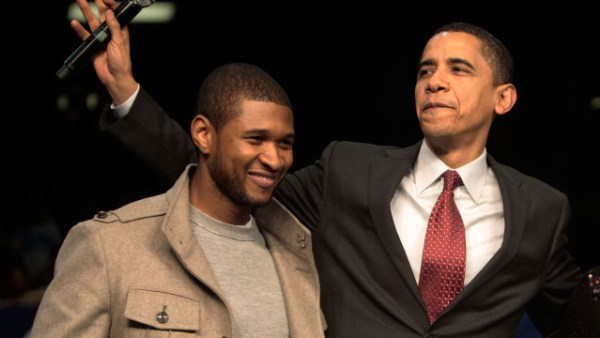 ORANGEBURG, SC - JANUARY 22: (FRANCE OUT) Presidential candidate Barack Obama (R) stands with entertainer Usher (L) at a campaign event at South Carolina State University January 22, 2008 in Orangeburg, Carolina. Obama is campaigning through the state ahead of its Democratic primary on January 26.  (Photo by Chris Hondros/Getty Images)