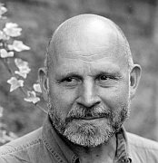 """""""Der stille Revolutionär"""" Zum 75. Geburtstag von Pēteris Vasks Von Robert Jungwirth"""
