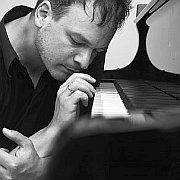 "Chris Gall: ""The real Room of Silence"" Jazzclub Unterfahrt"