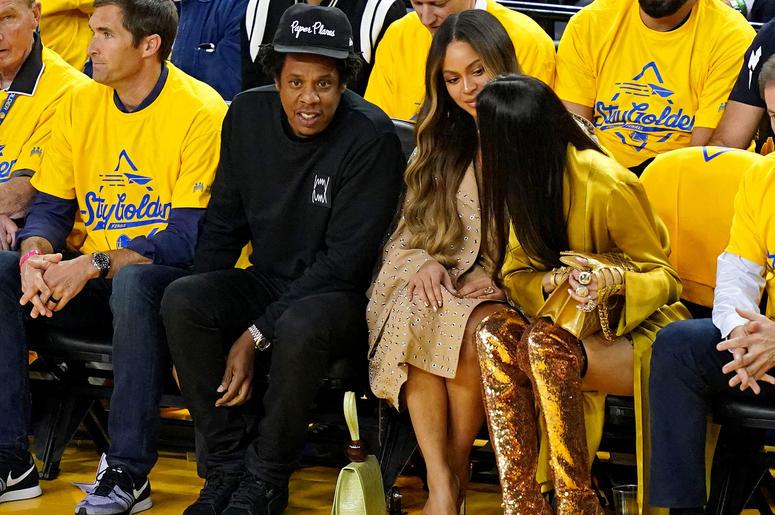 Beyonce Annoyed At Women Talking To Jay Z Game 3