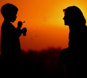 """[LISTEN & WATCH] Ml Obeidullah Bhoja: """"The Importance of a Mother"""""""