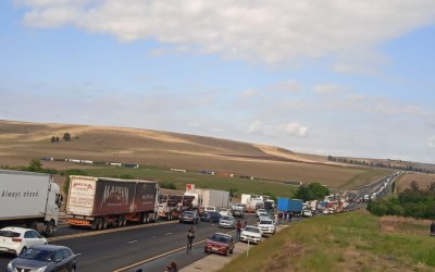 Truck drivers bring N3 highway near Harrismith to a standstill