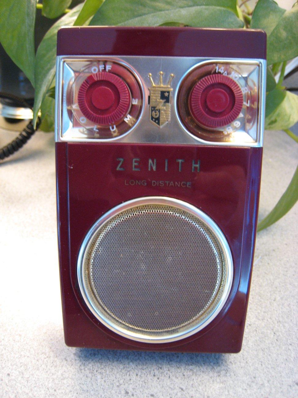 Zenith Royal 500 Series Transistor Radios  The Owl Eye