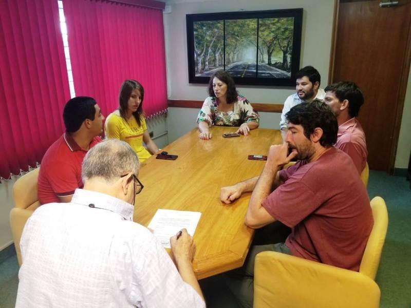 La reunión se desarrolló en la mañana de este viernes.