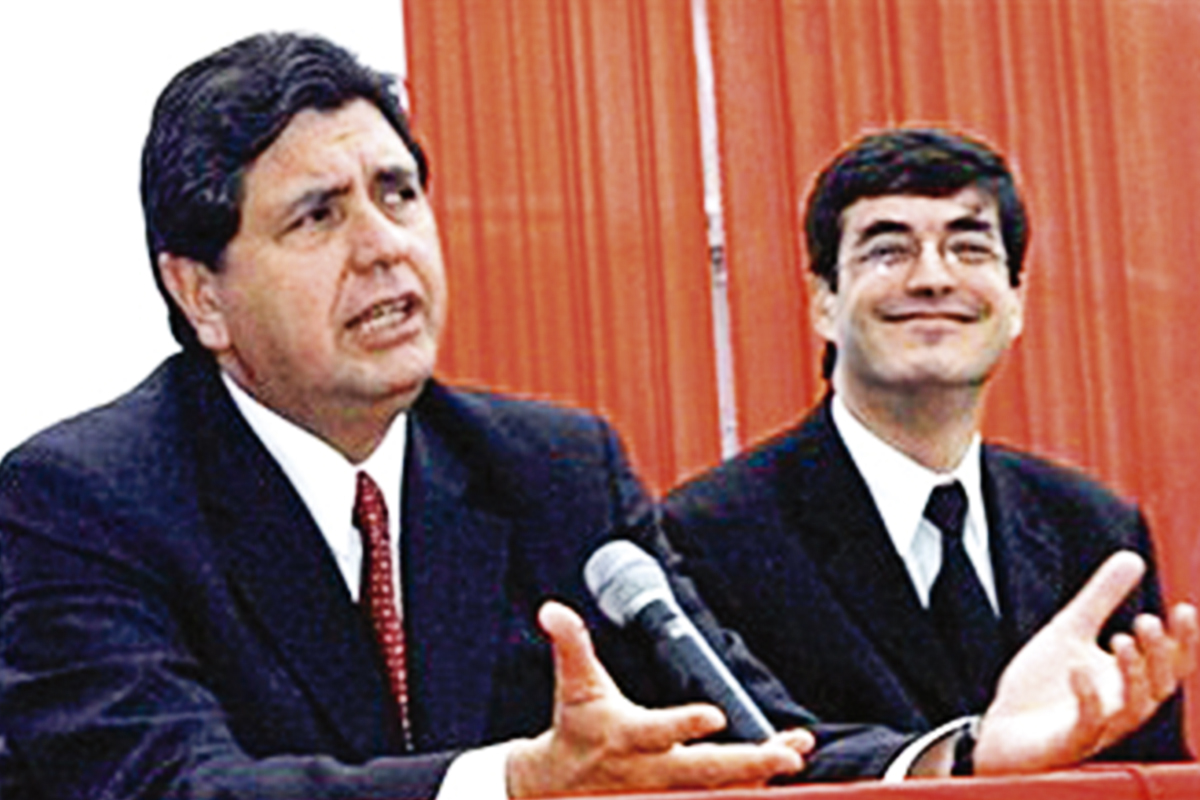 Jaime Bayly No Me Alegra La Muerte De Alan Spending too much time in soccer games at school, his low academic performance forced his mother to send him to 'la prensa' newspaper in order to get more. jaime bayly no me alegra la muerte de