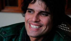 """Pedro Suárez-Vértiz: Billboard incluye a """"Los globos del cielo"""" en la lista de 25 obras maestras del rock en español"""