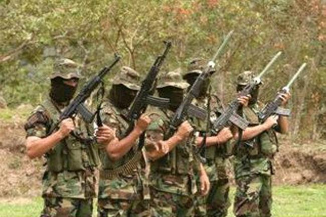 CHOCÓ: Incursión paramilitar en Puerto Lleras y anuncio de ingreso a Pueblo Nuevo - paramilitares-1