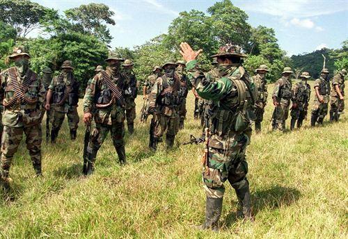 Paramilitares limitaron el trabajo de los defensores de DDHH en CACARICA, CHOCÓ - paramilitares