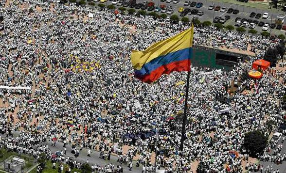 El pantanoso camino a la paz en Colombia - colombia-marcha-por-la-paz-9-de-abril