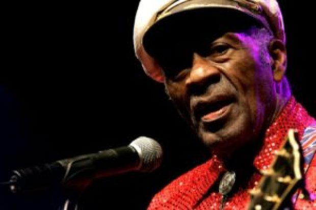 Sale canción póstuma de Chuck Berry, al estilo de su rock'n'roll - ecd6d4e3d0139f76e9442bba9a5ebf397d633a06-300x200
