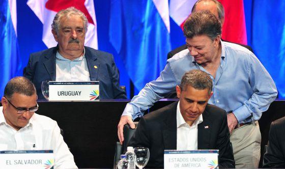 Paz en Colombia. Guerra en Venezuela - santos-pone-la-silla-a-obama